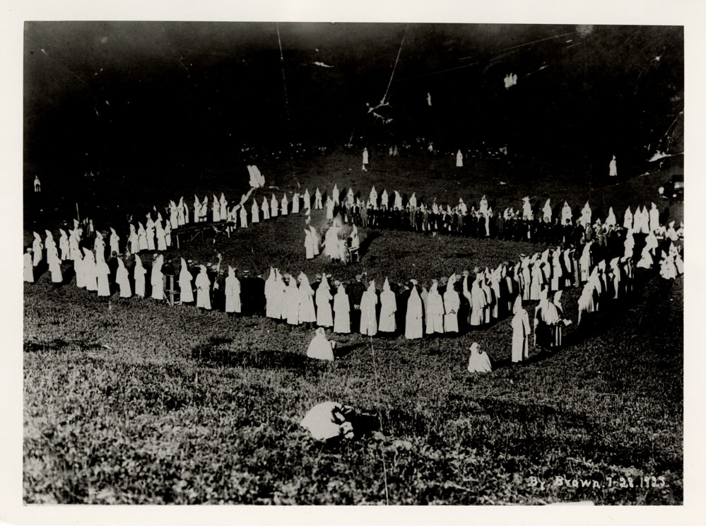 Ku Klux Klan rally at Stanley Park Lodge south of Carpinteria.