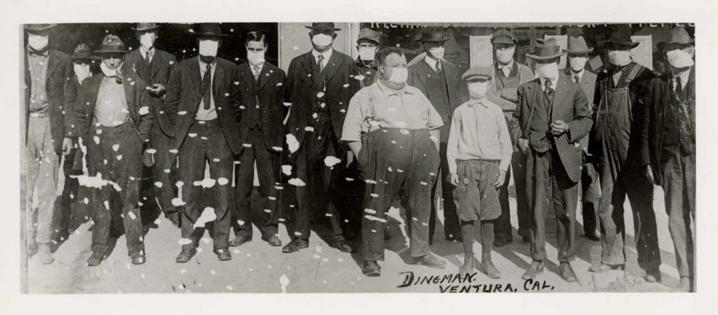 Venturans seen wearing flu masks in 1918.